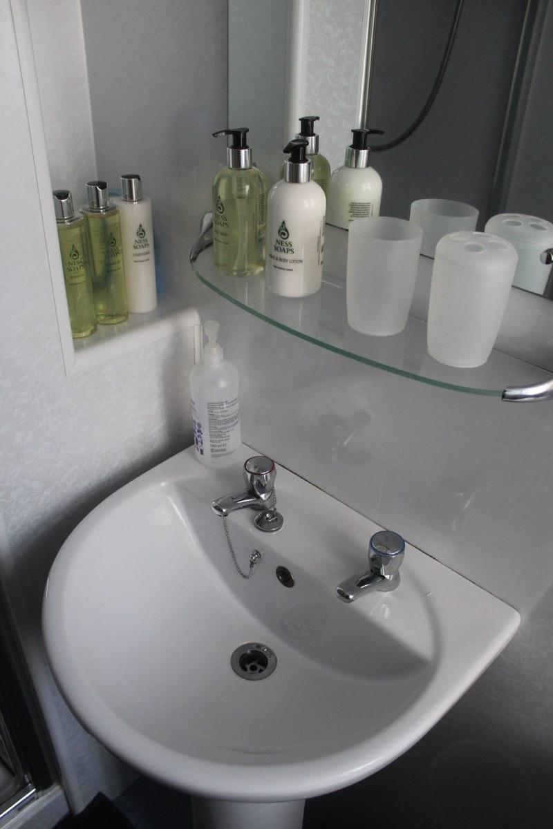 Shower room G 040618